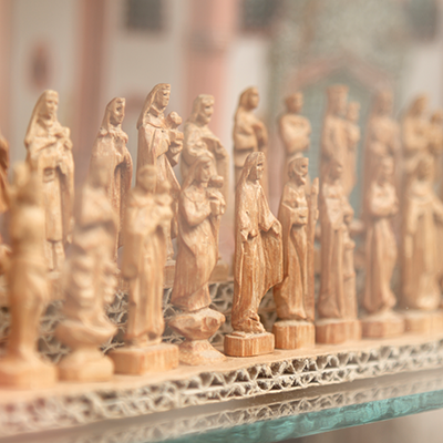 Figurines of saints